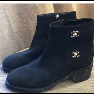 Chanel sz 39 Boots, IN STORES NOW, like new
